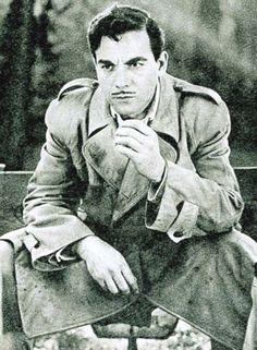 Ayhan Işık (5 Mayıs 1929, İzmir -16 Haziran 1979, İstanbul)