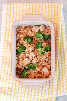 Dorm Room Recipes: Broccoli Cheddar Cheesy Rice - So easy for a weeknight dinner!