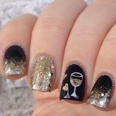 Glod Glitter & Black Prom Nail Design.