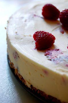 White chocolate raspberry cheesecake. Olve Garden copycat