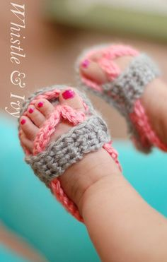 Baby shoes, especially baby sandals, are so darn cute! But many times the plastic or foam ones from the store can be hard to get on baby's feet and uncomfortable for her to wear. That is why crochet baby sandals are an adorable alternative. Crochet Baby Sandals, Crochet Shoes, Crotchet Baby Shoes, Crocheted Baby Booties, Crochet Baby Stuff, Crochet For Baby, Things To Crochet, Knitting Baby Girl, Crochet Summer