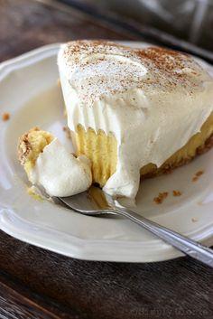 {No Bake} Eggnog Pie - A holiday favorite! by SimplyGloria.com #pie