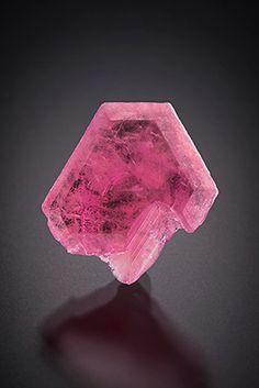 Beryl var.Pezzottaite - Sakavalana Mine, Ambatovita, Ambatofinandrahana, Fianarantsoa, Madagascar Size: 1.6 x 1.5 x 0.5 cm