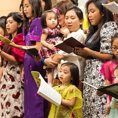 Singing for the delegates at the Walnut Bend Tagalog congregation in Texas. Photo shared by @_jaynjen_