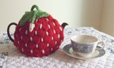 free knitting patterns, yarns and knitting supplies - Dawn Brocco (Spouted) Strawberry Tea Cozy Tea Cosy Knitting Pattern, Knitting Patterns Free, Scarf Patterns, Free Knitting, Knitting Machine, Knitting Supplies, Knitting Projects, Knitting Tutorials, Knitted Tea Cosies