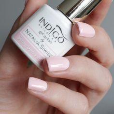 Śliczny delikatny odcień kto jeszcze go nie ma przypominam że aktualnie są w promocji tylko 23zł za buteleczkę Indigo Strawberry Milk  _____________________ @indigonails #mamastyle #paznokcie #paznokciehybrydowe #indigo #jesien #mama #nails2inspire #lakierhybrydowy #polskadziewczyna #lakier #hybrydy #blogerka #pazurki #zdobienie #beautyforum #polecam #blogerkakosmetyczna #blogerkalakierowa #maluje #lakieryhybrydowe #indigonails #styl #serduszko #sliczne #urocze #gliter #nailpolish #sparkles…