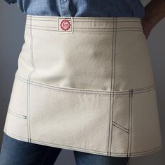 Raw Materials Utility Apron- I need this! Work Aprons, Cute Aprons, Restaurant Uniforms, Gardening Apron, Easy Sewing Projects, Diy Projects, Apron Designs, Earth Design, Uniform Shirts