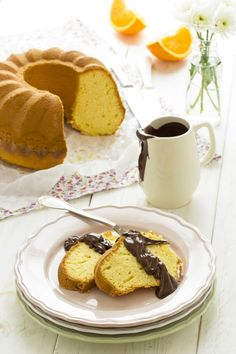 La torta all'arancia che si sposa perfettamente con il cioccolato delle uova di Pasqua :) - Oranges cake with chocolate glaze