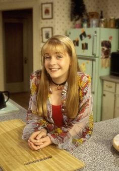 Pin for Later: 20 Fashion Lessons Every Girl Learned From Clarissa Explains It All Billowy tops give off a breezy, effortless vibe. Outfits 90s, 90s Outfit, Outfits For Teens, Star Fashion, 90s Fashion, Vintage Fashion, Fashion Outfits, Clarissa Explains It All, Melissa Joan Hart