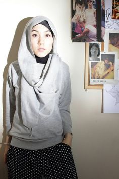 Simple and i love it >. Stylish Hijab, Hijab Casual, Hijab Outfit, Casual Outfits, Casual Ootd, Muslim Fashion, Modest Fashion, Hijab Hipster, Beautiful Hijab Girl