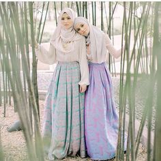 Two special dresses Hijab Chic, Hijab Casual, Muslim Dress, Hijab Dress, Hijab Outfit, Hijab Mode Inspiration, Modest Outfits, Modest Fashion, Beau Hijab