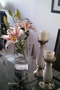 deco na stole Glass Vase, Candle Holders, Candles, Blog, Home Decor, Candy, Interior Design, Home Interior Design, Light House