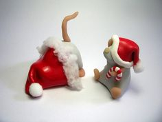 These are made of clay, but I think they would be perfect made of fondant on a Christmas cake