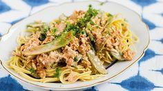 Gräddig pasta med riven tofu och grönsaker - Vegomagasinet