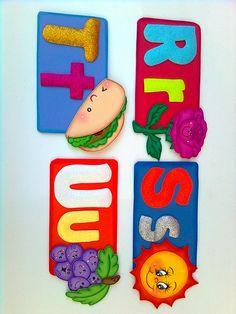 ABECEDARIO DE FOMI Class Door Decorations, Pre School, Alphabet, Projects To Try, Lily, Baby Shower, Crafts, Gross Motor Skills, Felt Toys