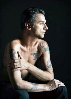 David Gahan, Depeche Mode// si tu eres la unica persona que soporto tatuada :D