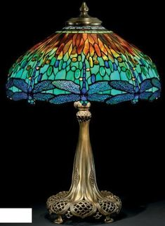 Tiffany Dragonfly leaded glass and bronze lamp by Louis Comfort Tiffany, 1910 Tiffany Stained Glass, Stained Glass Lamps, Tiffany Glass, Leaded Glass, Mosaic Glass, Louis Comfort Tiffany, Victorian Lamps, Antique Lamps, Vintage Lamps
