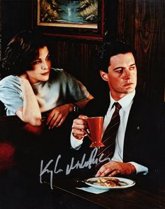 Sherilyn Fenn and Kyle MacLachlan as Audrey Horne and Special Agent Dale Cooper on Twin Peaks: Sometimes I really miss my friend Charlene's biannual Twin Peaks marathons. Twin Peaks Poster, Sherilyn Fenn, Audrey Horne, Missing My Friend, Kyle Maclachlan, It Hurts Me, Music People, Tv Guide, Art Music