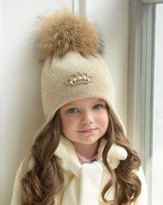 39 Ideas For Knitting Beanie Hat Yarns Christmas Gift Knitting Patterns, Sweater Knitting Patterns, Lace Knitting, Crochet Girls, Crochet For Kids, Knit Crochet, Crochet Hats, Cable Knit Hat, Knit Beanie Hat