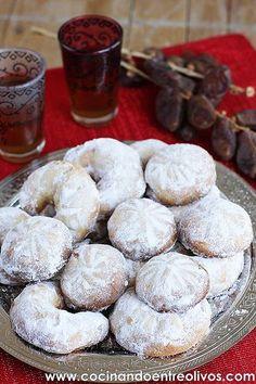 Galletas del león o Pastas rellenas de dátiles www.cocinandoentreolivos (1)