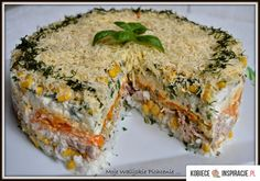 Warstwowa sałatka z tuńczykiem - Kobieceinspiracje.pl Middle Eastern Recipes, Aga, Fish And Seafood, Seafood Recipes, Quiche, Food And Drink, Appetizers, Dinner, Cooking