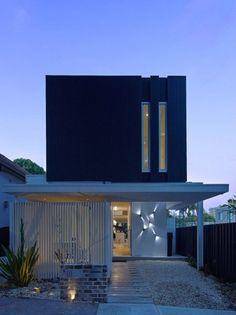 Beach-Inspired Vibes Delivered by Modern Home in Bondi, Sydney - http://freshome.com/2013/03/11/beach-inspired-vibes-delivered-by-modern-home-in-bondi-sydney/