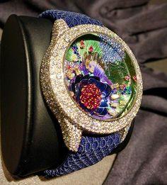 REPOST!!! Les merveilles très couture de Dior. #dior #baselworld #baselworld2017 #couture #metiersdart #horlogerie #horology #watch #montre #joaillerie #jewelry #fleur #flower #diamonds #saphirs Photo Credit: Instagram ID @tribunedesarts