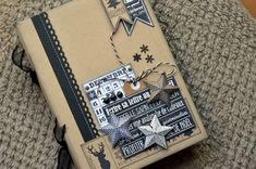 Love this craft and black album -- http://patmiaou.canalblog.com/archives/2013/12/29/28788697.html