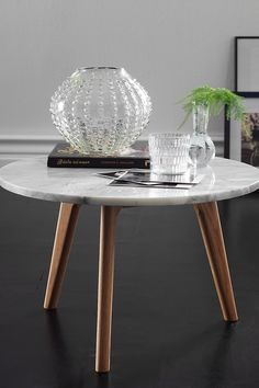 Sofabord Stone h yde 32 cm Sofabord Stone h yde Marble Desk, Home Office Space, Beautiful Interiors, Table And Chairs, Country Decor, Home And Living, Interior Inspiration, Accent Decor, Sweet Home