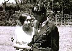 白洲次郎 画像 - Google 検索 Royalty, Beautiful Women, Japan, Black And White, History, Portrait, Couple Photos, Couples, Roots
