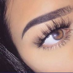 When done professionally eye lash extensions give you long lushes, beautiful lashes that look natural. Makeup Goals, Makeup Inspo, Beauty Makeup, Eye Makeup, Hair Makeup, Makeup Tips, Fake Eyelashes, 3d Mink Lashes, Natural Makeup