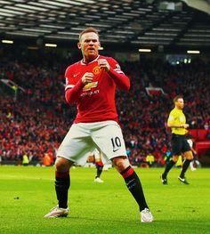 Wayne Rooney (No10) scores for Manchester United v Tottenham