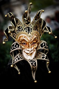 MARDI GRAS JESTER. THE HOKEY POKEY MAN AND AN INSANE HAWKER OF FISH BY CONNIE DURAND. AVAILABLE ON AMAZON KINDLE.