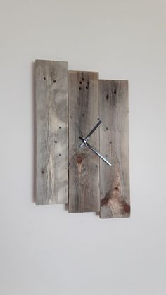 Wall Clock, Wooden Wall Clock, Reclaimed Wood, Wall Clock, Pallet Wood Clock, Wall Clock, Rustic Clock, Shabby Chic Clock by SpudsCreativeAsylum on Etsy https://www.etsy.com/listing/268982743/wall-clock-wooden-wall-clock-reclaimed