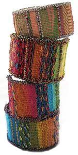Weaving: Tapestry/Bead Cuff Bracelet ༺✿ƬⱤღ http://www.pinterest.com/teretegui/✿༻