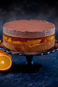 Giant Jaffa Cake, Cake Recept, Indian Cake, Frozen Chocolate, Different Cakes, Mousse Cake, Polish Recipes, Food Cakes, Something Sweet