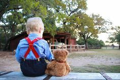 Eagle Mountain Park Photo Session || Rustic Family Session || Photo of Teddy Bear and Young Boy || DFW Photography || www.amareephotography.com