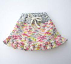 Crochet Girls, Crochet For Kids, Crochet Baby, Knit Crochet, Knitting For Kids, Baby Knitting Patterns, Girl Doll Clothes, Girl Dolls, Frilly Skirt