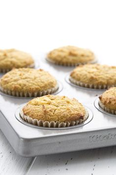 Pumpkin Cream Cheese Muffins make the perfect keto breakfast or snack! This super popular low carb muffins recipe has been updated with a how-to video. Low Carb Sweets, Low Carb Desserts, Easy Desserts, Low Carb Recipes, Dessert Recipes, Healthy Recipes, Dessert Ricotta, Dessert Mousse, Pumpkin Cream Cheese Muffins
