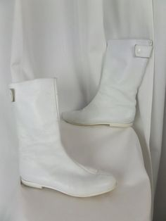 RARE collectible André Courrèges 1967 white mod leather Go Go Boot/ back zipper/ Made in France: size 41= US 9-9.5 on Etsy, $800.00