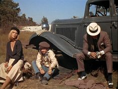Bonnie and Clyde_Warren Beatty, Michael J Pollard, Faye Dunaway black beret_cap-1