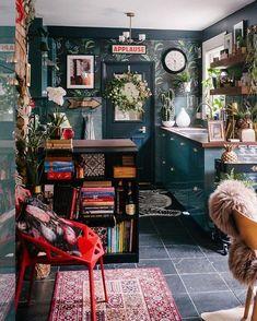 Maximalist Interior, Sweet Home, Bohemian Interior Design, Boho Kitchen, Kitchen Decor, Kitchen Jars, Messy Kitchen, Eclectic Kitchen, Wooden Kitchen