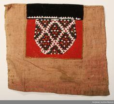 Bringklut @ DigitaltMuseum.no Beadwork, Belts, Burlap, Reusable Tote Bags, Hardanger, Hessian Fabric, Pearl Embroidery, Jute, Canvas