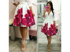 Táto krátka suknička si krásne drží áčkový tvar vďaka spodničke, na ktorej je našitý tyl. Sukňa je pútavá vďaka žiarivým kvetinám vpestrých farbách. Ksukni stačí jednoduchý top, lodičky asoslňujúcim outfitom môžete vyraziť. Pás na sukni nie je elastický a vzadu sa zapína zipsom. Tyl, Dresses, Vestidos, Dress, Gown, Outfits, Dressy Outfits