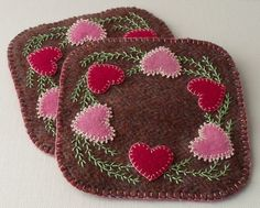 Handmade Valentines Felted Wool Mug Mats von QuiltShenanigans