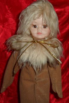 """Wizard Of Oz Porcelain Doll Cowardly Lion Figurine Hand Painted 12"""" Collectible"""