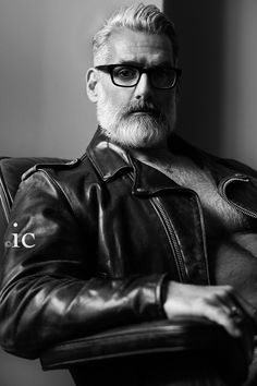 Silver Fox Anthony Varrecchia Photographed by Isauro Cairo & Charles Thomas Rogers Moustaches, Grey Hair Beard, Gray Hair, Anthony Varrecchia, Handsome Bearded Men, Bearded Guys, Great Beards, Beard Tattoo, Mature Men