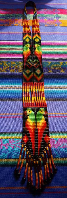 Guacamayo/guacamayo con cuentas collar 22 grano Colombia Bead Loom Patterns, Peyote Patterns, Beading Patterns, Boho Necklace, Crochet Necklace, Beads Pictures, Embroidery Motifs, Neck Piece, Loom Bracelets