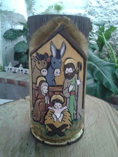 Vela tallada a mano                                                                                                                                                                                 Más Christmas Nativity, Christmas 2017, Candle Making, Wood Carving, Hand Carved, Art For Kids, Decoupage, Candle Holders, Christmas Decorations