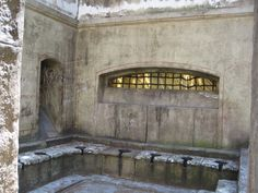 Roman public toilets. (Reconstructed for the Set of HBO/BBC's Rome series) Photographer: San-Suzie on Flickr